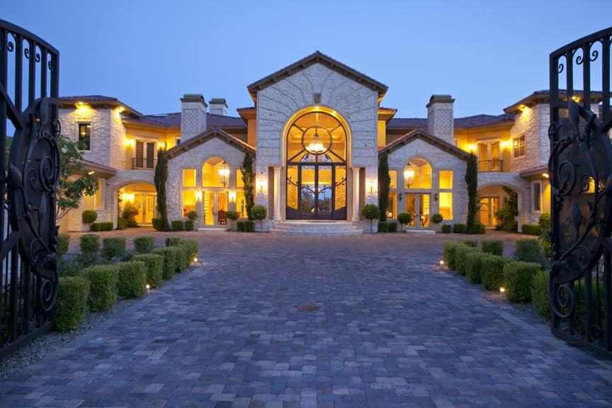 Luxury Homes in Bakersfield